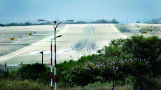 מסלול ההמראה. במינהל התכנון ורשות שדות התעופה לא רואים עין בעין